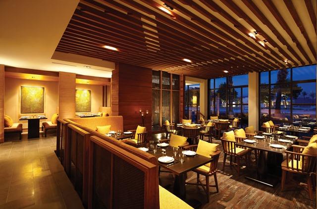 Hyatt-Regency-Danang-Resort-and-Spa-Restaurant-GreenHouse-3