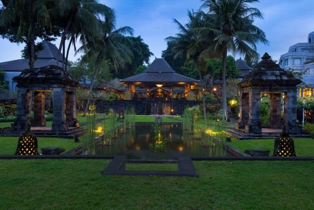 Hyatt-Regency-Yogyakarta-P030-Lobby-Court.adapt.640.800