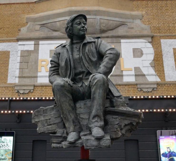 Joan Littlewood statue
