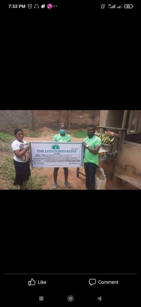 Presentation of 25k Women Empowerment Grant to Mrs. Sekinat Oyewole by the Lotus Team
