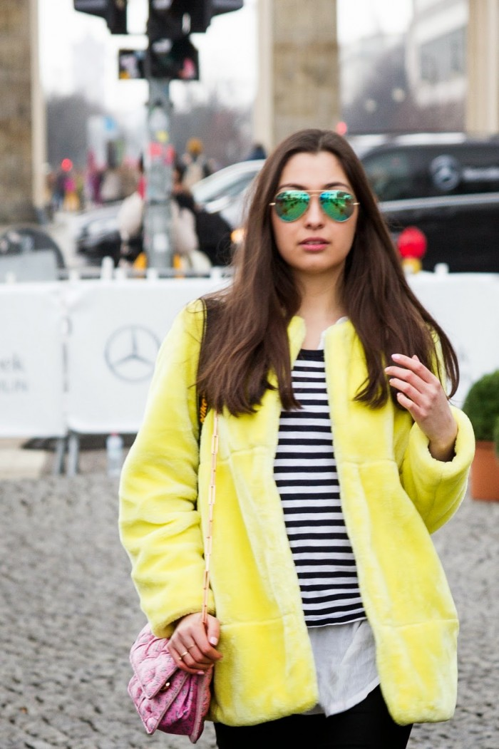 Mixing-It-Up-Fashionblogger-New-Post-Munich-Streetstyle-Berlin-Fashion-Week-Colour-Fake-Fur_3