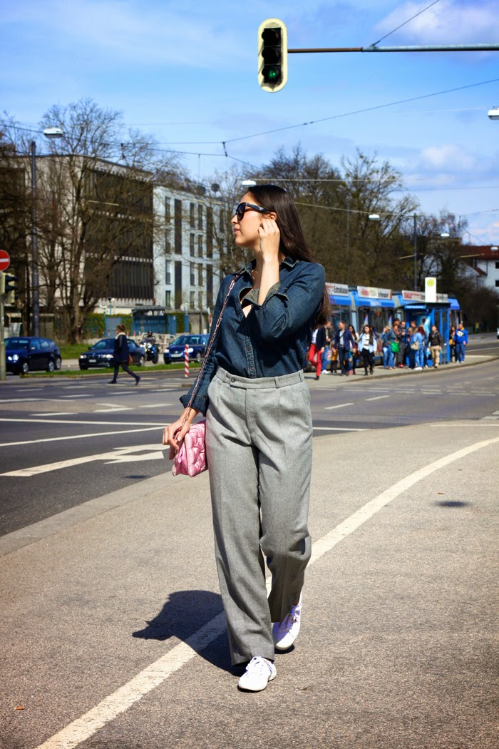 Casual-Denim-Fashionblogger-Streetstyle-Springlook-2015-Munich-Flared-Pants-New-Post-Germany-Lookbook_1