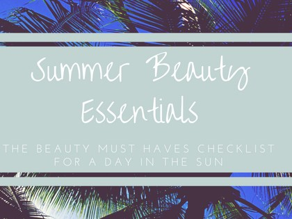 Beach Bag Essentials | Pack the Perfect Bag for Summer Days in The Sun!