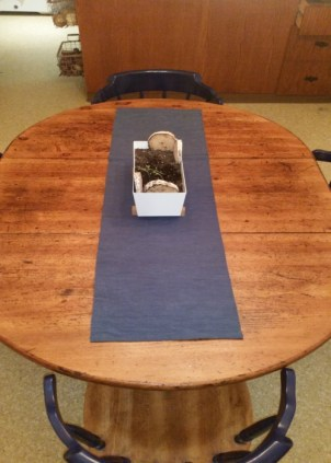 How to Update an old dining room table into something you love!