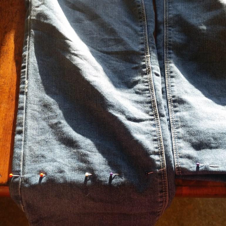 Super Simple DIY Frayed Hem Jeans | Luxuriously Thrifty