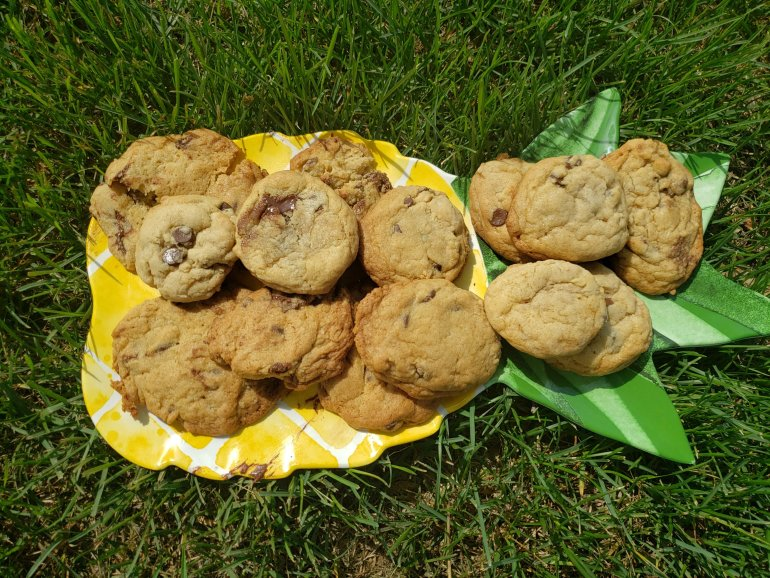How to make cookies on the BBQ, enjoying a treat while keeping your house cool! | Luxuriously Thrifty