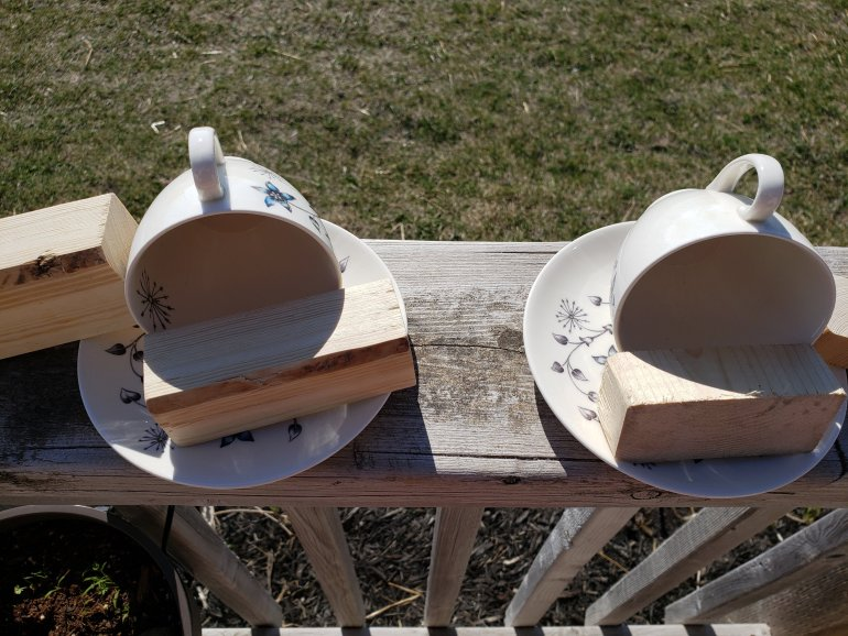 How to make a bird feeder out of a teacup or a coffee cup. Super easy DIY   Luxuriously Thrifty