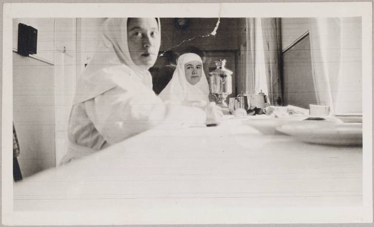 Photography from the private archive of the Romanovs family-Lujon Magazine24