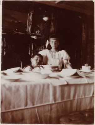 Photography from the private archive of the Romanovs family-Lujon Magazine46
