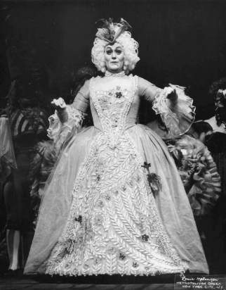 Joan Sutherland as Olympia in Offenback 'Les Contes D'Hoffmann'