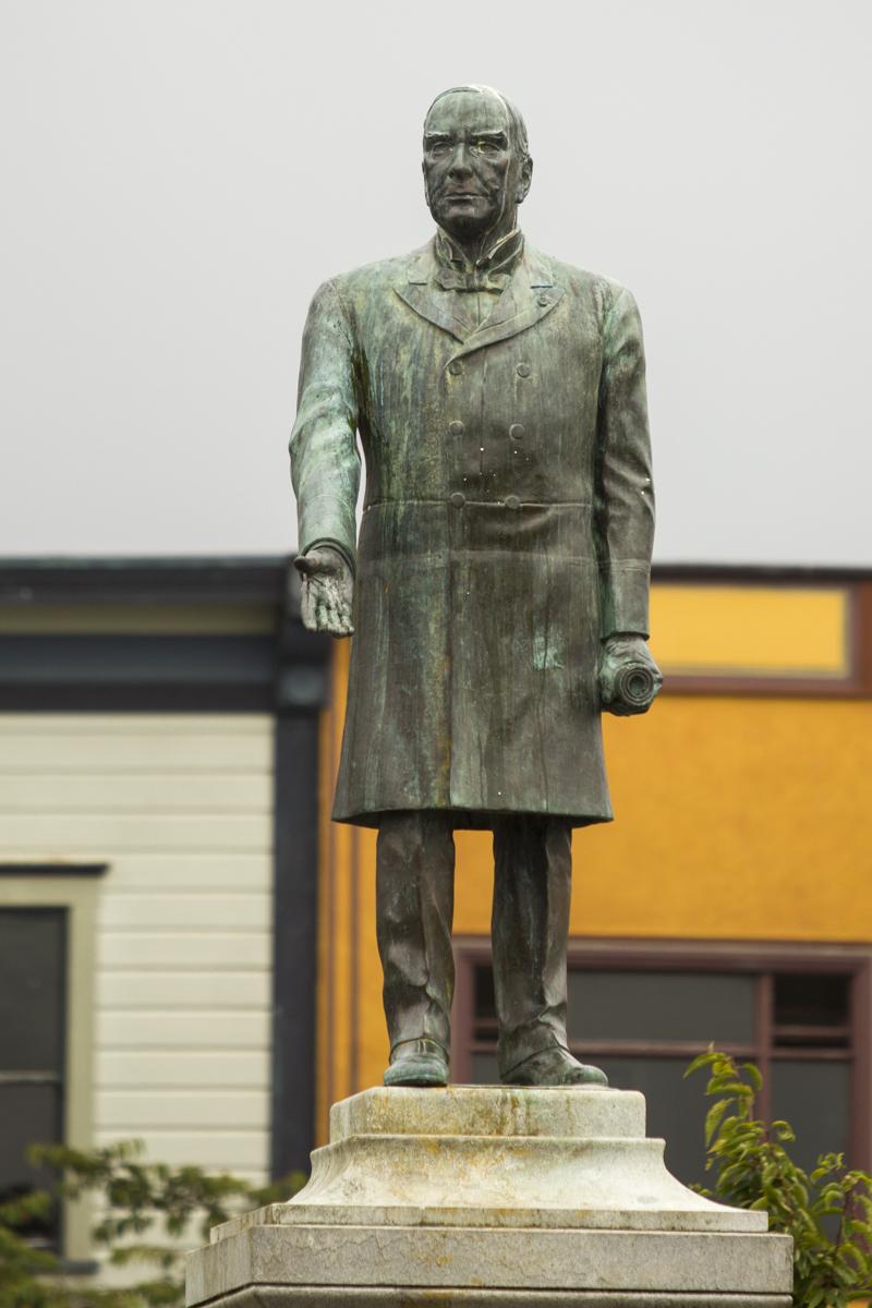 Statue3_Web.jpg
