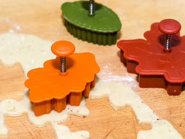 Williams Sonoma Autumn Leaf Pastry Cutters