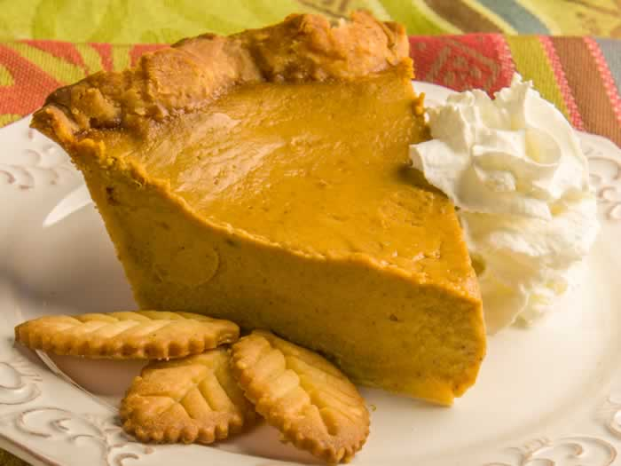Thanksgiving Recipe Roundup: Classic, Perfect Pumpkin Maple Pie Slice