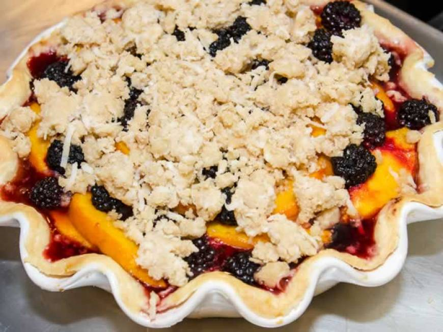 Peach & Blackberry Pie with Coconut Streusel | LunaCafe