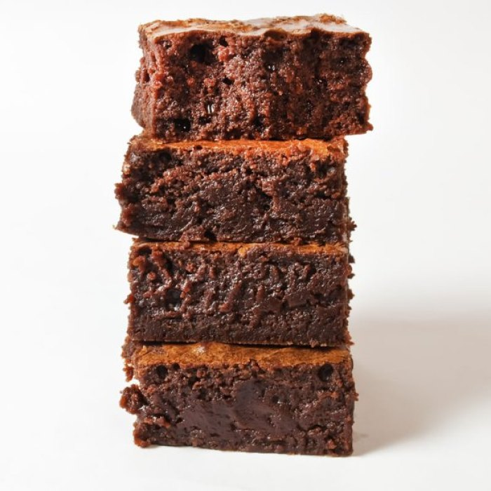 10 Super Easy Chocolate Dream Cakes: Otherworldly Silky Fudgy Brownies