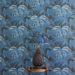 palmeral-luxury-wallpaper-midnight-azure-_-lamps