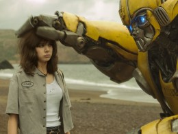 Hailee Steinfeld as Charlie and Bumblebee in BUMBLEBEE.