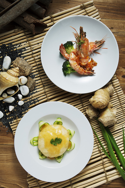the-luxury-asia-hyatt_regency_hong_kong_tsim_sha_tsui_medium-sized_1200274_the-chinese-restaurant-sustainable-seafood
