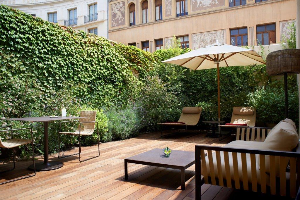 Mercer Barcelona Andrew Forbes TLE (6)