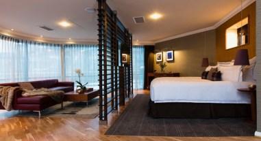 DELUXE SUITE - Bedroom (2)