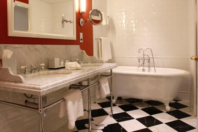Traditional Room - Room 28 Bathroom