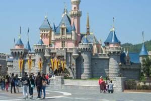 The Skinny on Disneyland