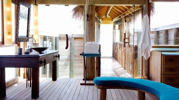 OVERWATER VILLA SUITE - BATHROOM