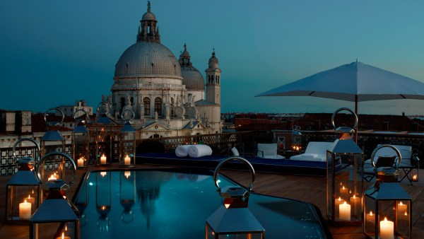 Top 10 World S Most Spectacular Hotel Rooftops The Luxury