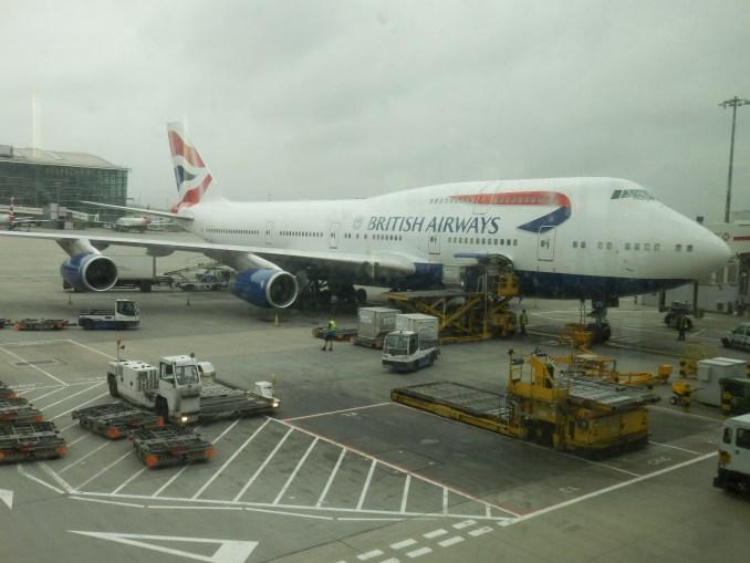 BRITISH AIRWAYS 747-400 & DIRTY HEATHROW AIRPORT WINDOWS