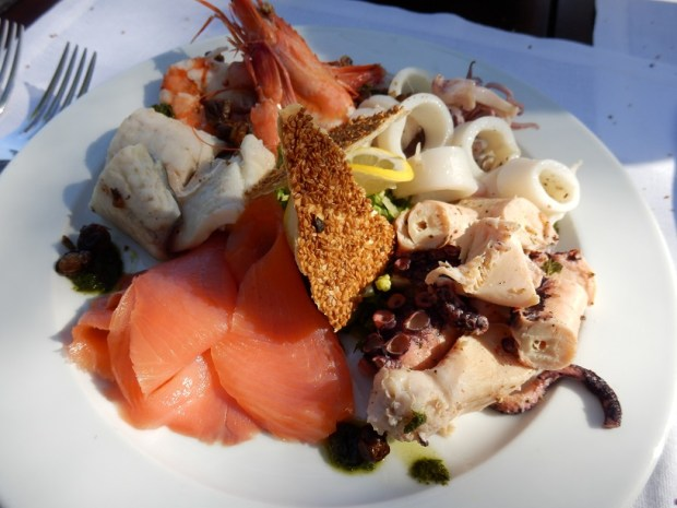 BEACH CLUB RESTAURANT FOOD
