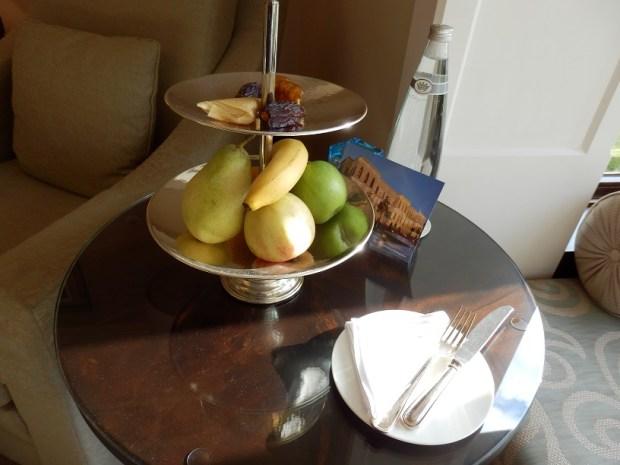 FRUIT BOWL IN ROOM