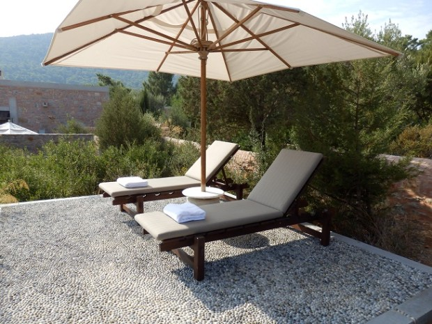 SUN LOUNGERS IN PRIVATE GARDEN