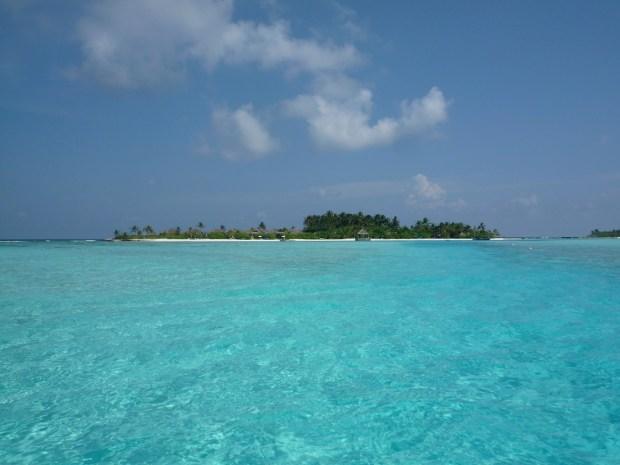 NALADHU ISLAND WITH LAGOON