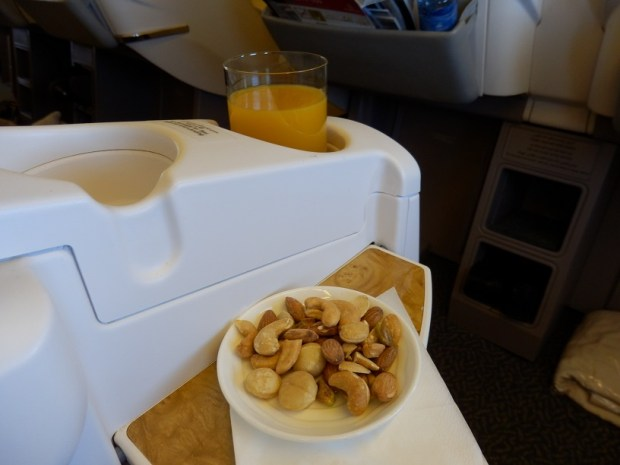 MANGO JUICE AND WARM NUTS
