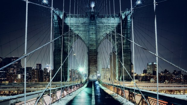 ENJOY SPECTACULAR VIEWS FROM THE BROOKLYN BRIDGE
