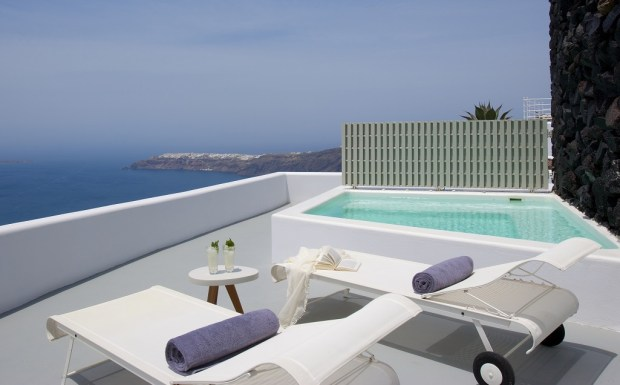 VIP SUITE TERRACE WITH PLUNGE POOL