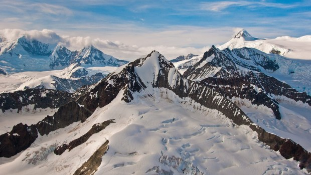 FLY OVER WRANGELL-ST ELIAS NATIONAL PARK'S WILDERNESS