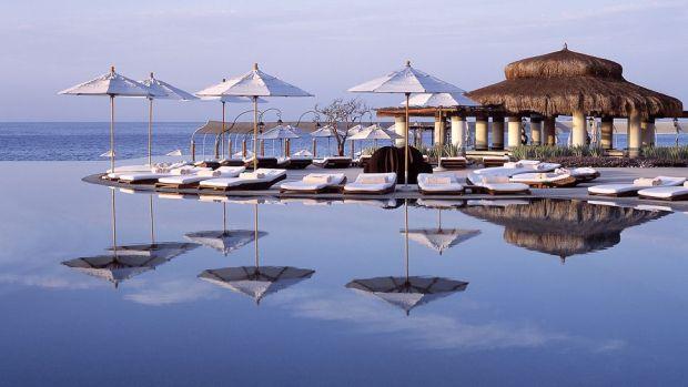TOP 10 BEST LUXURY HOTELS TO SPOT CELEBRITIES
