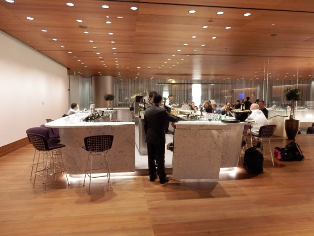AL MOURJAN BUSINESS LOUNGE: RESTAURANT