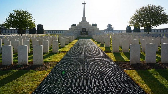 REMEMBER WORLD WAR ONE AT FLANDERS FIELDS IN YPRES