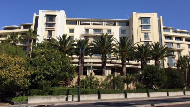 HOTEL EXTERIOR FACADE 2
