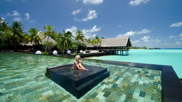 WIN A LUXURY HOLIDAY AT THE PHENOMENAL ONE&ONLY REETHI RAH RESORT IN THE MALDIVES
