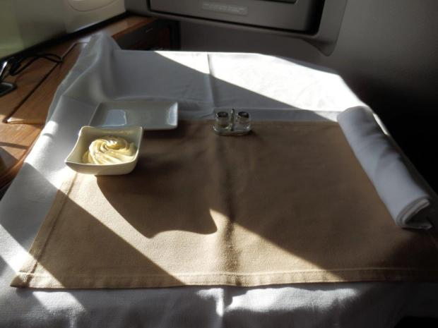 TRAY TABLE SET UP