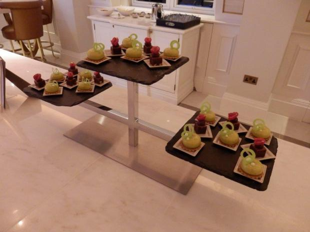THE LANGHAM CLUB LOUNGE: EVENING SNACKS