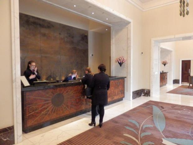LOBBY: RECEPTION AREA
