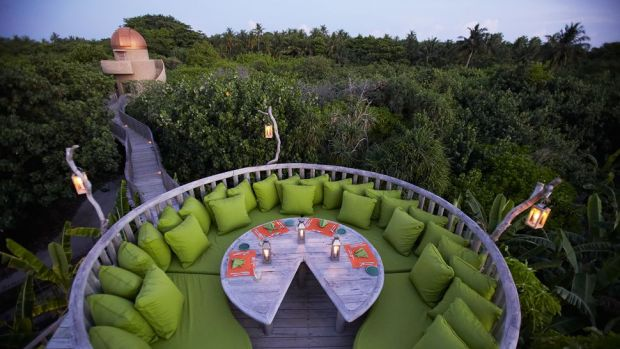 SONEVA FUSHI - DINING UNDER THE STARS
