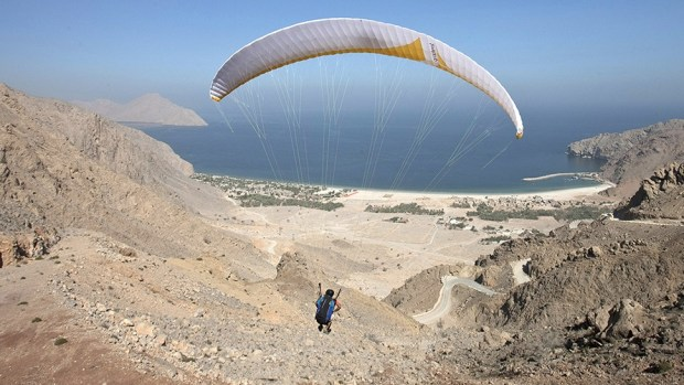 ARRIVE IN STYLE - PARAGLIDING