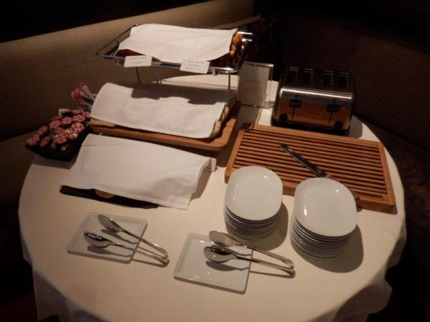 AI FIORI RESTAURANT: BREAKFAST