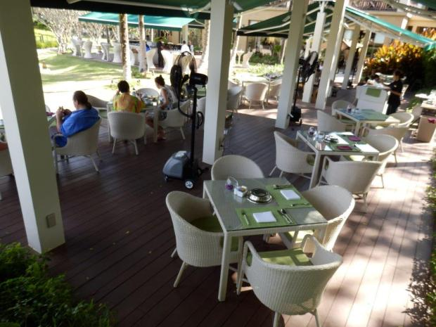 WATERCOURT RESTAURANT TERRACE: BREAKFAST