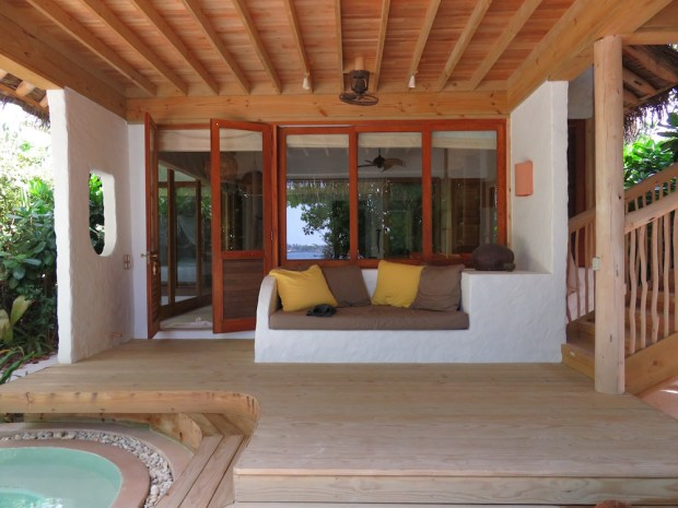 FAMILY VILLA SUITE WITH POOL: VERANDA